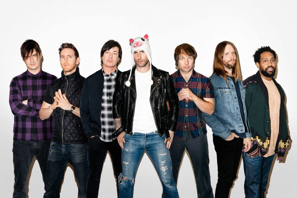 Maroon 5 показали клип «Girls Like You» с Камилой Кабелло, Дженнифер Лопес и Ритой Орой